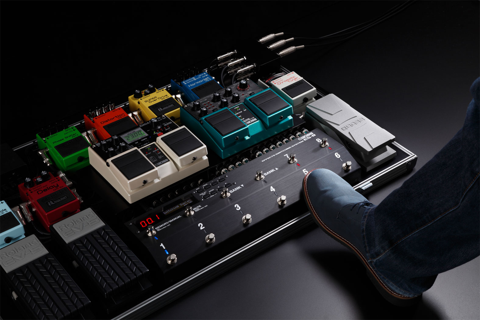 Boss ES-8 Effects Pedal Switching System