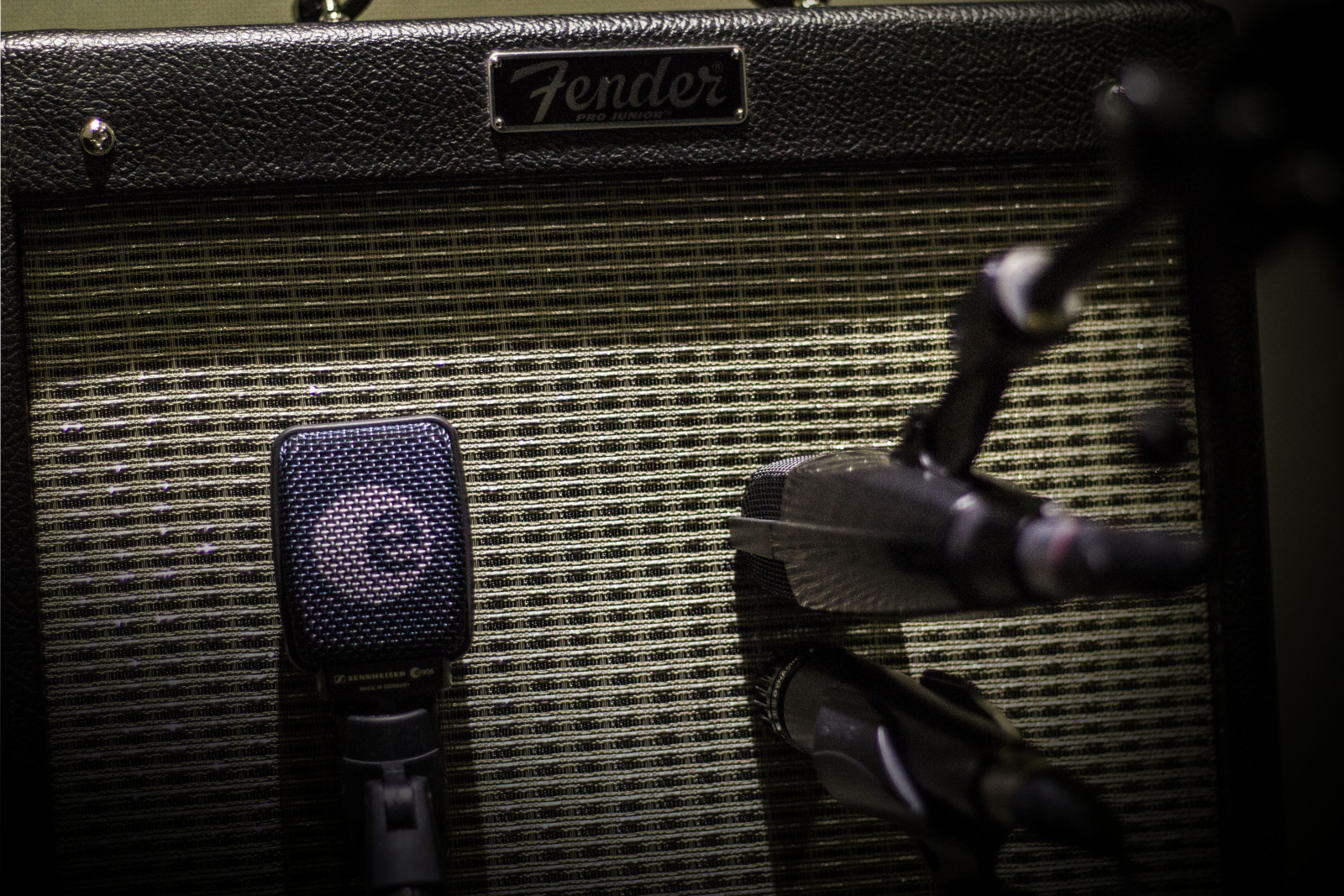 Fender Blues Junior Mic Placement
